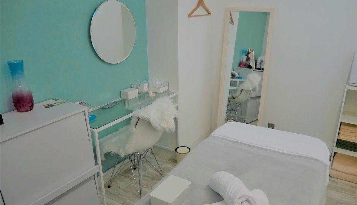 AMOはプライベートサロンのため施術ルームは1部屋だけ。プライバシーは完全に保たれます。